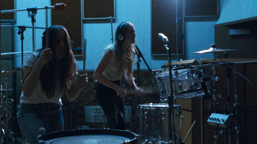 HAIM uses Bass Drum, Toms and Rims to interesting effect in this supurb live music video