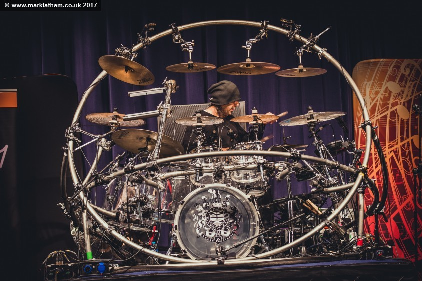 Hybrid Drums – The Fusion Between Acoustic and Electronic Drums